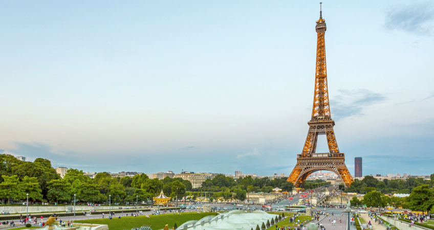 bayi-turlari-paris-eyfel-kulesi